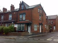 Three double bedroom Flat available in Meanwood Centre LS6