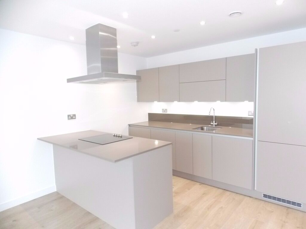 **NEW BUILD PENTHOUSE TO RENT IN DALSTON E8** TWO BEDROOMS, TWO BATHROOMS, GYM, TERRACE & CONCIERGE