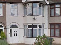 3 BEDROOM HOUSE - BARKING - HURSTBOURNE GARDENS