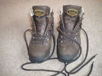 MEINDL LADIES MPS HIKING BOOTS SIZE 7