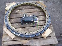 Hydraulic turntable slew ring and subframe