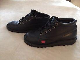 Black leather kickers size 5 exellent condition worn twice