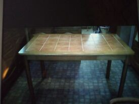 Table, good condition .