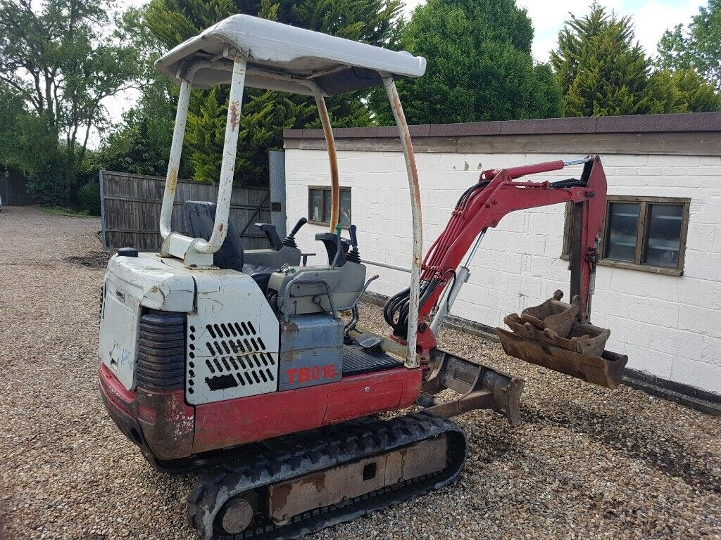 Takeuchi TB016 1 6 tonne Mini digger  2007 New Tracks | in Maidenhead,  Berkshire | Gumtree