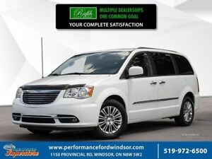 2016 Chrysler Town & Country Touring-L ***leather, NAV, sunroof*