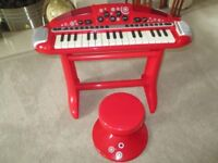 Red Early Learning Centre / Superstar Cool Keyboard and Stool