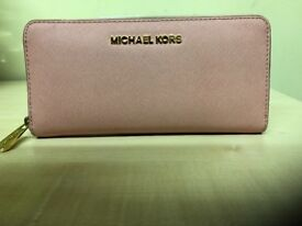 Michael Kors purse pink