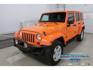 2012 Jeep WRANGLER UNLIMITED Sahara *4X4 AWD BLUETOOTH*