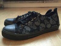 Men's HOT TOPIC shoes BLACK/SKULLS size 9