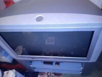 ★ Philips 26 inch tv with stand Cheap tv £15 ★