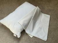 Junior pillow & 2 pillow cases