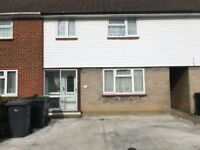 3 bed house, 2 reception, 2 bath. 10 min walk to Canterbury University