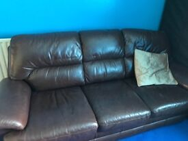 Sofa for sale looking for quick sale resnable offers please , must pick up