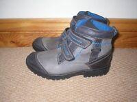 boys clarkes boots