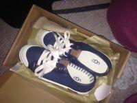 Size 4 Ugg shoes