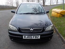 2005 Black Vauxhall Astra 1.4 Petrol, 1 Former Keeper from New, HPI Clear, Genuine Low Mileage