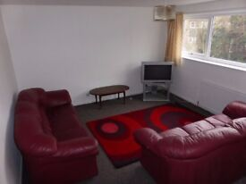 Fallowfield: Spacious, modern 4 double bed house £75 pp/pw incl. some bills