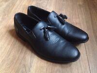 NEW - ASOS Tassel Loafers in Black - Size 8