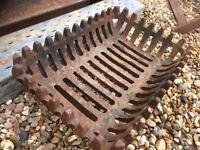 Heavy duty cast iron fire grate