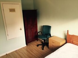 Double and Single Room Near Universities, Train Station & Town £290 or £250 pcm BILLS INCLUDED