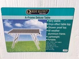 Quest folding table