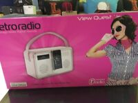VEIW QUEST D.A.B RADIO & I POD/I-PHONE DOCK BNIB COMES WITH USED APPLE I-POD