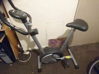 Resistance based exercise bike. 8 resistance settings. Height adjustable
