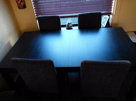 Table, extendable dining table £90 ono brown/black