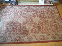 Quality wool rug. Hessian backed. 6' x 4'.