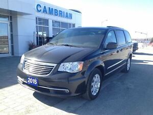 2015 Chrysler Town & Country Touring w/ Rear View Camera!