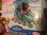 Frozen roller skates blades for years 6+ and safety pads