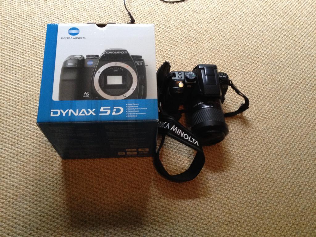 Konica Minolta Dynax 5D 6MP camera