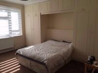 TWIN ROOM IN WHITECHAPEL