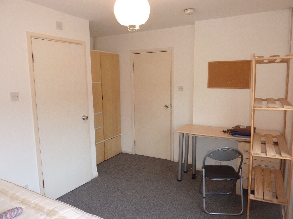 AL10 Hatfield SPACIOUS ROOM TO LET/RENT. CLOSE to SHOPS, AMENITIES & TRANSPORT..... AVAILABLE NOW