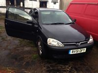 Vauxhall Corsa black breaking for parts / spares