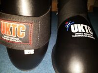 UKTC PU Safety/Sparring Gear - Junior official UKTC Taekwon Do PU Boots, Gloves, Focus Pad, Holdall