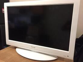 TOSHIBA 32 INCH 1080 HD LCD TV