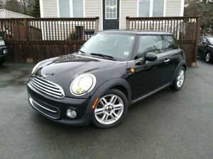 2011 Mini Cooper Hardtop | LEATHER | PANO ROOF | LOW KMS!! |