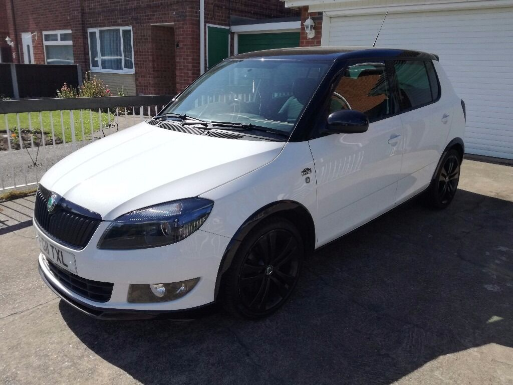 2011 skoda fabia monte carlo cr 1 6 tdi 105 white turbo diesel rare 5dr 20 tax 2 keys fsh 87k. Black Bedroom Furniture Sets. Home Design Ideas