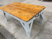 Coffee table , great looking size L 45 in D 24 in H 19 in free local delivery