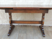 Ercol Oak compact table with extensions (Delivery)