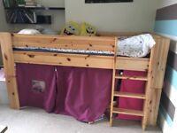 Castle cabin bed