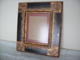 "Picture Frame, 17"" x 15"", Wood"