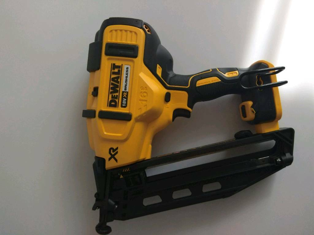 Dewalt Nail Gun Dcn 660 Second Fix Brand New In Pinner