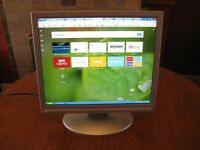 Advent 17inch LCD Flat Screen Monitor with VGA input with leads