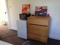 Double room very close to enfield town