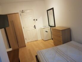 Nice double room available in Wandsworth