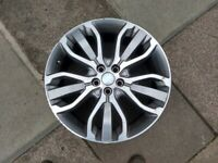 Land Rover 21 Inch Alloy Wheel in West London Area