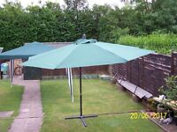 BIG GARDEN UMBRELLA