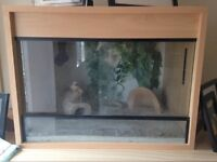 2ft Vivarium and accessories